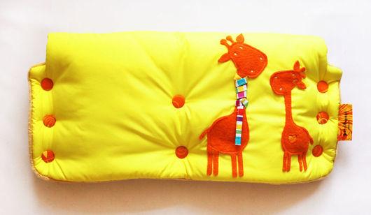 """Аксессуары для колясок ручной работы. Ярмарка Мастеров - ручная работа. Купить Муфты на коляску в ассортименте """"Жирафы"""". Handmade. Муфта для рук"""