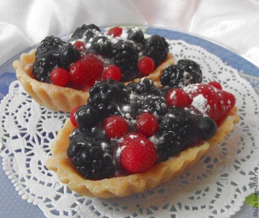 Мыло пирожное `Овальная корзинка с ягодами`