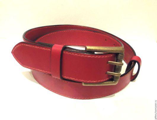 Пояса, ремни ручной работы. Ярмарка Мастеров - ручная работа. Купить Красный прошитый кожаный ремень. Handmade. Ярко-красный