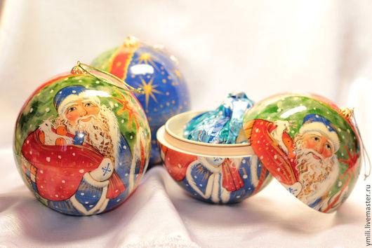 Шар с сюрпризом. Деревянный шар очень прочный. Изделие с авторской росписью. Памятный подарок на новый год. Рождественская сказка.