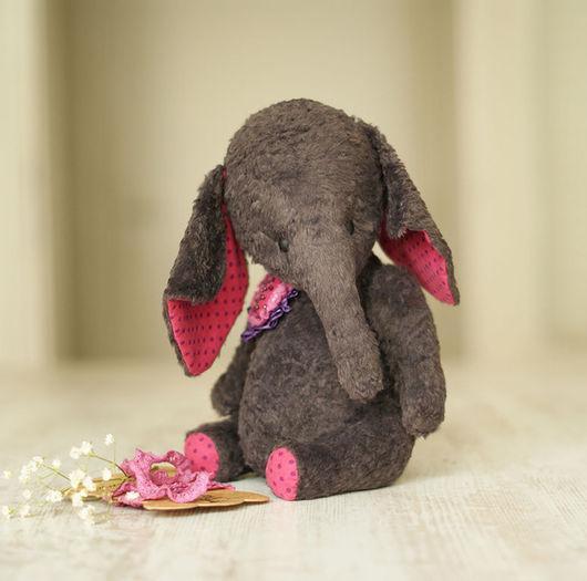 Слоняшка  Софи , рост 27 см, вискоза, опилочки, стеклянный гранулят, корейский хлопок в горошек. Глазки матовые.