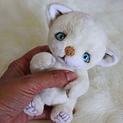 Куклы и игрушки handmade. Livemaster - original item White kitten Teddy. Handmade.