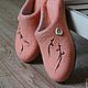"""Обувь ручной работы. Заказать Валяные тапочки """"Ожидание"""".. Алеся Исмагилова (unikalis). Ярмарка Мастеров. Весеннее настроение, тапочки женские"""