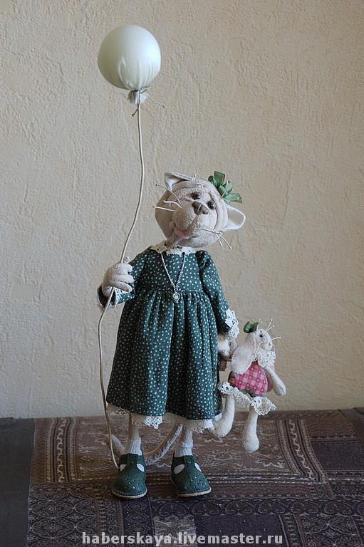 """Игрушки животные, ручной работы. Ярмарка Мастеров - ручная работа. Купить Кошка с шариком """"К тебе можно?"""". Handmade. Кошка"""