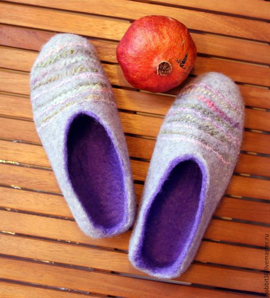 Обувь ручной работы. Ярмарка Мастеров - ручная работа. Купить Тапочки валяные из натуральной шерсти  Серо-фиолетовые с полосками. Handmade.