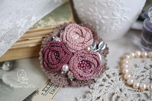"""Броши ручной работы. Ярмарка Мастеров - ручная работа. Купить Брошь """"Розы любви"""". Handmade. Бежево-розовый, брошь букет"""