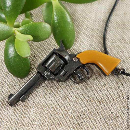 Для украшений ручной работы. Ярмарка Мастеров - ручная работа. Купить Подвеска Револьвер №9 Colt 45, на кожаном шнурке. Handmade.