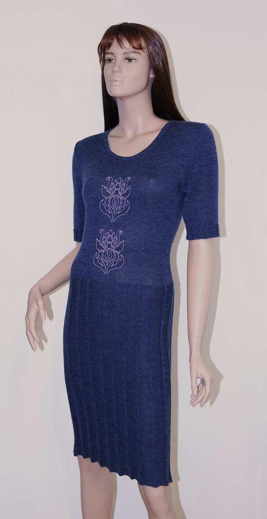 Женское платье вязаное