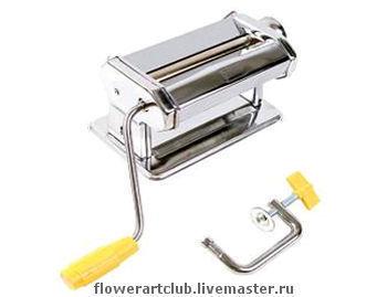 Паста-машина Atlas - fаналог паста-машины Champ Используется для раскатывания глины с выбором толщины.