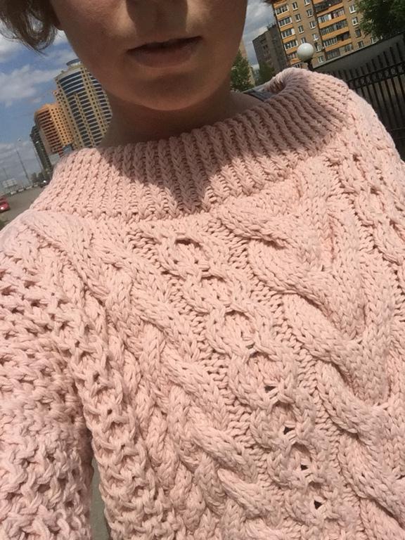 Объемный свитер женский доставка
