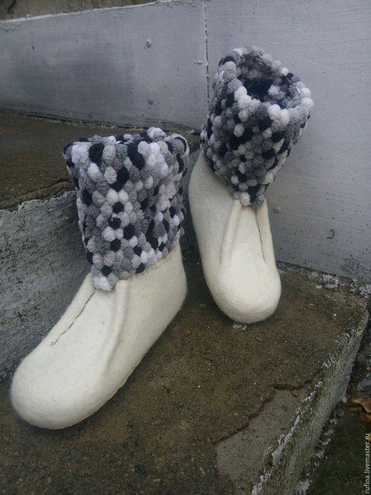 Обувь ручной работы. Ярмарка Мастеров - ручная работа. Купить Валяные валенки для дома.. Handmade. Валяние, войлок ручной работы