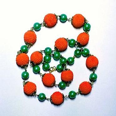 """Украшения ручной работы. Ярмарка Мастеров - ручная работа Бусы """"Апельсиновое настроение"""" с вязанными и стеклянными бусинами, на. Handmade."""