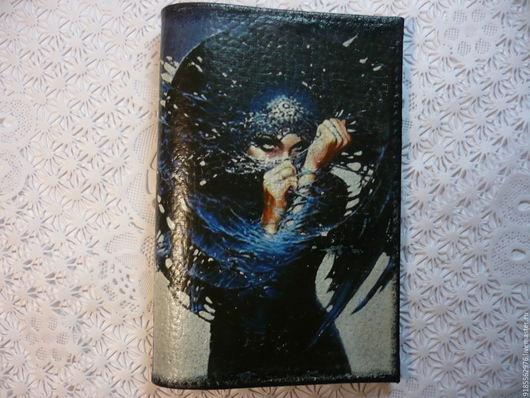Обложки ручной работы. Ярмарка Мастеров - ручная работа. Купить Обложка для паспорта Роковая красота. Handmade. Чёрно-белый, девушка