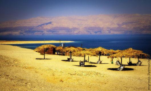 Израиль. Мертвое море. Мертвый сезон. Мертвый пляж. Жара. Соль.. Палящее солнце... Миражи....