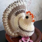 Подарки к праздникам ручной работы. Ярмарка Мастеров - ручная работа Пасхальная курочка на яйцо вязаная. Handmade.