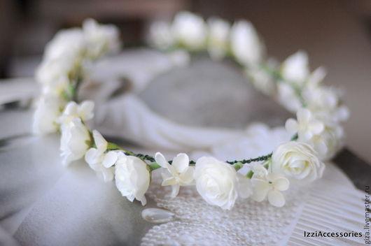 """Свадебные украшения ручной работы. Ярмарка Мастеров - ручная работа. Купить Диадема из цветов """"Нежность белого"""". Handmade. Белый, выпускной"""