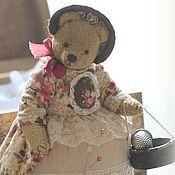 Куклы и игрушки ручной работы. Ярмарка Мастеров - ручная работа Дора, мишка-половинка. Игольница (17 см). Handmade.