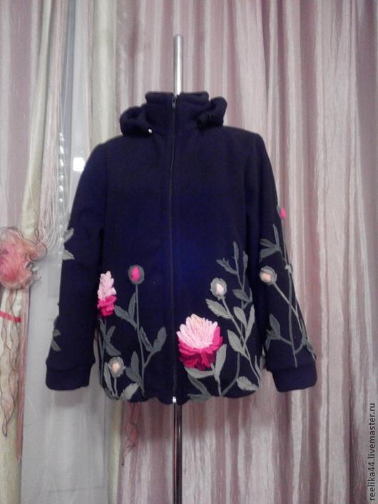 """Верхняя одежда ручной работы. Ярмарка Мастеров - ручная работа. Купить Куртка-толстовка из флиса """"Пионы"""". Handmade. Черный"""