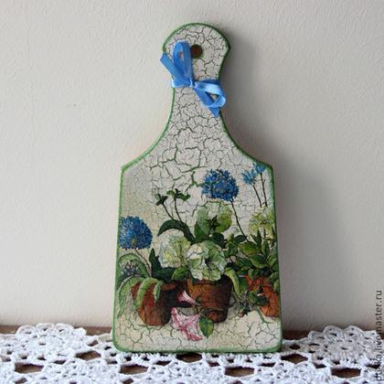 """Кухня ручной работы. Ярмарка Мастеров - ручная работа Доска разделочная """"Цветы на подоконнике"""". Handmade."""