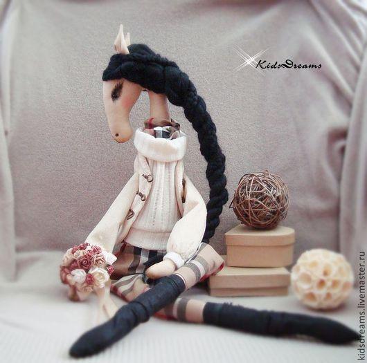 Коллекционные куклы ручной работы. Ярмарка Мастеров - ручная работа. Купить Лошадка Жаннет. Handmade. Бежевый, в клетку, сувениры и подарки
