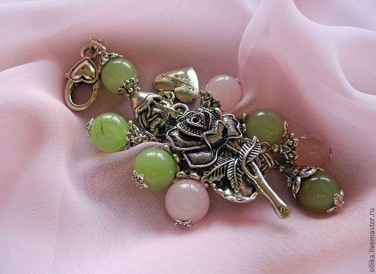Брелок для ключей, на сумку Донна Роза с ониксом и кварцем. брелок на сумку, брелок для машины, брелок с розой, оригинальный подарок, купить модное украшение, купить стильный брелок, купить подарок девушке, купить подарок женщине, брелок на джинсы, брелок для ключей, брелок для сумки, стильный аксессуар, брелок фото, брелок купить в питере, модный аксессуар, оригинальный брелок, стильный брелок, подарок девушке женщине, подарок любимой, брелок в подарок, ollika Ольга Дмитриева, Ярмарка Мастеров, Авторская бижутерия