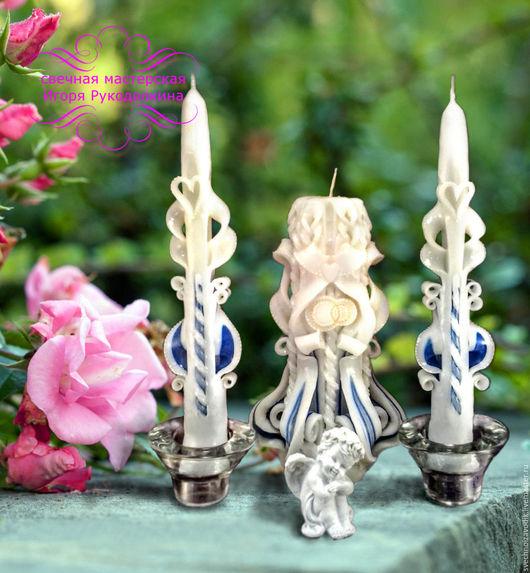 Набор из 3-х свечей для свадебной церемонии.  1 свеча Высота - 22 см. Вес - 600 - 700 гр. Время горения - до 24 часов.  2 свечи Высотой - по 25 см. Вес - по 60 гр.