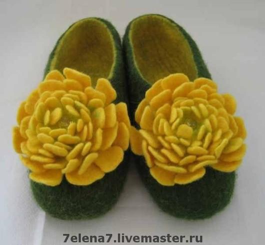 """Обувь ручной работы. Ярмарка Мастеров - ручная работа. Купить Тапочки """"Хризантема"""". Handmade. Тёмно-зелёный, Тапочки ручной работы"""