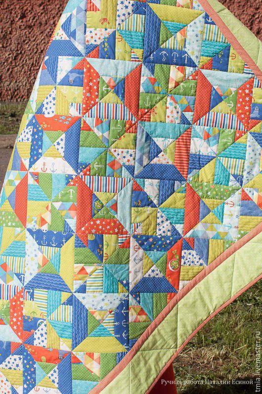 Одеяло `Морское` - это памятный подарок для Вашего любимого малыша в любое время года.  *Все средства от продажи данного товара пойдут на сбор для онкологической операции.