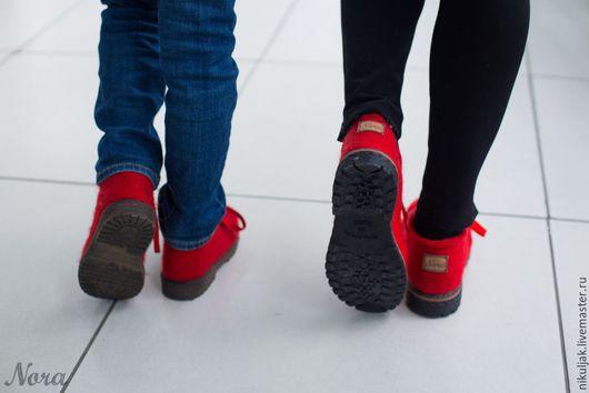 Обувь ручной работы. Валяные полуботинки Красные. Nora (Nikuljak). Интернет-магазин Ярмарка Мастеров. Красный, Валяные ботинки