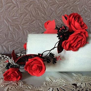 Украшения ручной работы. Ярмарка Мастеров - ручная работа Венок на голову с розами красно-черный. Handmade.