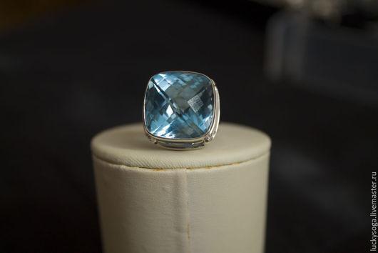 """Кольца ручной работы. Ярмарка Мастеров - ручная работа. Купить кольцо из серебра ручной работы с голубым топазом """"Виконт"""". Handmade."""