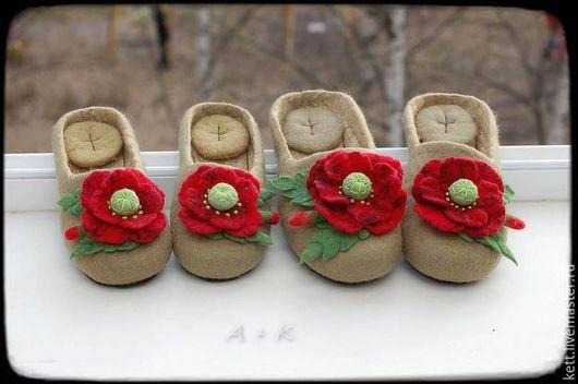 """Детская обувь ручной работы. Ярмарка Мастеров - ручная работа. Купить Детские тапки шлёпки """"Маки алые"""" валяные войлочные. Handmade."""