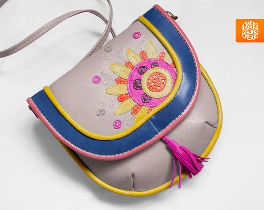 Летняя сумочка через плечо. Кожаная сумочка с аппликацией