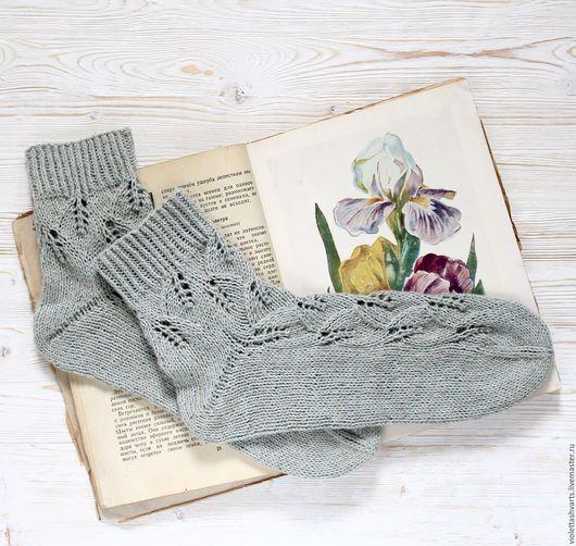 Купить вязаные носки. Купить женские вязаные носки. Вязаные носки.  Вязаные носочки. Детские носки. Женские носки изо льна.