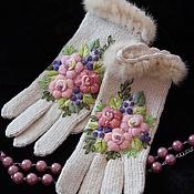 Аксессуары ручной работы. Ярмарка Мастеров - ручная работа Вязаные перчатки с ручной вышивкой и мехом норки Вечное Ретро. Handmade.