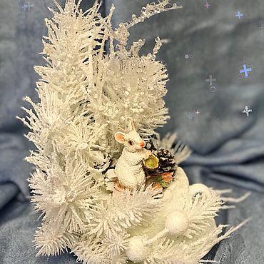 Сувениры и подарки ручной работы. Ярмарка Мастеров - ручная работа Новогодняя композиция «Белая Мышка» Новогодний подарок. Handmade.