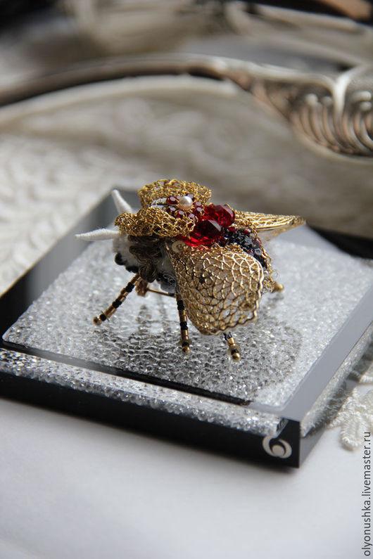 """Броши ручной работы. Ярмарка Мастеров - ручная работа. Купить Брошь """"Ruby Princess.Melody Spring"""". Handmade. Золотой, мотыль"""