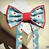 """Аксессуары ручной работы. Ярмарка Мастеров - ручная работа бабочка девочковая """"Красно-голубая в цветочек"""". Handmade."""