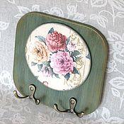 """Для дома и интерьера ручной работы. Ярмарка Мастеров - ручная работа Вешалка (ключница) """"Розы"""" (панно, в кухню, в прихожую). Handmade."""