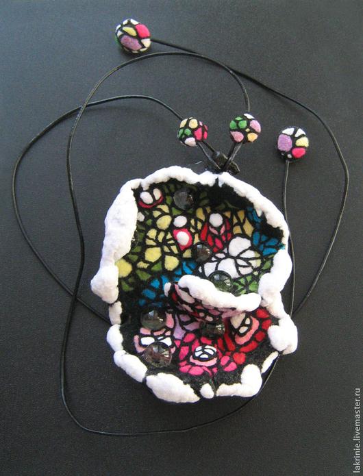 """Кулоны, подвески ручной работы. Ярмарка Мастеров - ручная работа. Купить """"Снежная душа Земли"""" подвеска из полимерной глины. Handmade."""