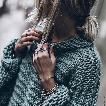 Одежда ручной работы. Ярмарка Мастеров - ручная работа Женский свитер в цвете морская волна объемный. Handmade.