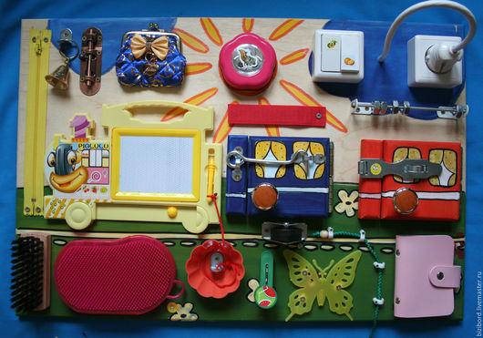 """Развивающие игрушки ручной работы. Ярмарка Мастеров - ручная работа. Купить Развивающая доска (бизиборд) для детей """"Паровоз"""". Handmade. Комбинированный"""