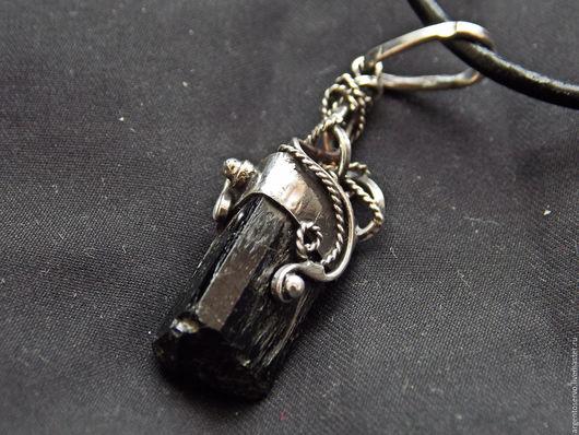 Кулон `Талисман` с черным турмалином  в серебре,выполненный в ручную.