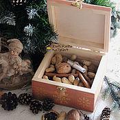 Подарки к праздникам ручной работы. Ярмарка Мастеров - ручная работа Новогодний короб с орешками. Handmade.
