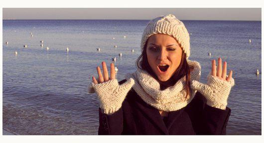 Шапка, снуд и варежки Молочный уют Фото: Корчевная Александра Модель: Карзюкова Светлана