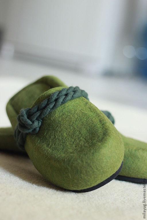 """Обувь ручной работы. Ярмарка Мастеров - ручная работа. Купить """"Бавария"""" мужские валяные тапочки. Handmade. Тёмно-зелёный, минимализм"""