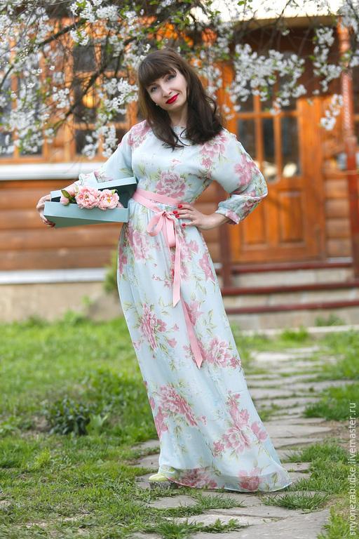 Платья ручной работы. Ярмарка Мастеров - ручная работа. Купить Длинное шелковое платье Утро в саду. Handmade. Голубой, весна