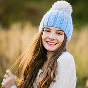Аксессуары ручной работы. Ярмарка Мастеров - ручная работа Теплая зимняя голубая шапка с помпоном из мохера для девушек. Handmade.