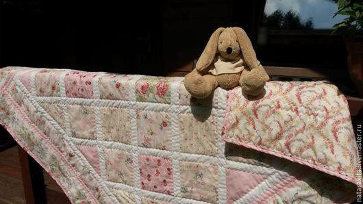 """Пледы и одеяла ручной работы. Ярмарка Мастеров - ручная работа. Купить Детское лоскутное одеяло """"Розовые мгновения"""". Handmade."""