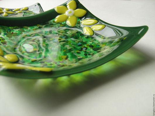 """Тарелки ручной работы. Ярмарка Мастеров - ручная работа. Купить Набор тарелок """"Зелёная лужайка"""". Handmade. Фьюзинг, кухонная утварь"""